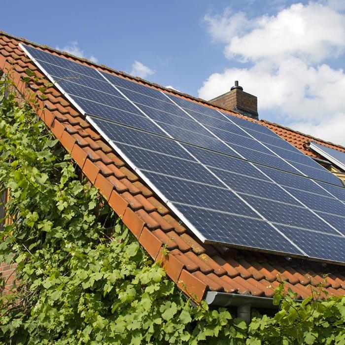 Installation des panneaux solaires à Angoulême